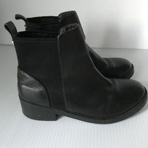 STEVE MADDEN Grroupie Gore Leather Chelsea Boots